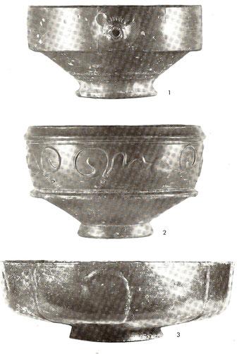 ober Keramik: Reibeschale, mittlere: Schale (Qu: Raddatz, 1976)