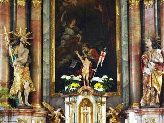 Hochaltar mit Verkündigungsszene und Johannesfiguren