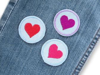 Bild: Mini Jeansflicken mit Herz, Flicken zum aufbügeln, Accessoire Bügelflicken