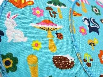 Bild: Flicken zum aufbügeln für Kinder Waldtiere Hase Dachs Pilze hellblau