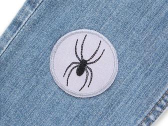 Bild: Hosenflicken zum aufbügeln mit schwarzer Spinne, Bügelflicken Aufbügelflicken Spinne