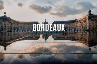 Weinlandschaft mit Schloss im Médoc