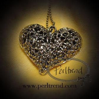 Halskette Goldfarben Anhänger Herz antik www.perltrend.com