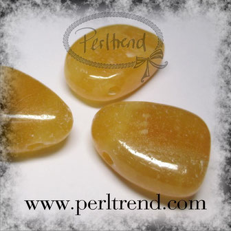 www.perltrend.com Edelsteine Gemstones Steine Perlen Heilsteine Schmuck Schmuckdesign Perltrend Luzern Schweiz Onlineshop Calcit orange gelb dunkelgelb tropfen Anhänger