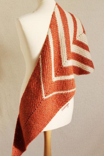 Pattern Meridia Tunisian crochet shawl by Haekelreigen