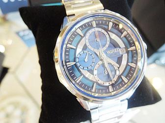 AGAD060 こう見えてソーラー腕時計