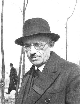 François LE BAILL à Paris vers 1940