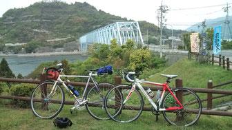 ロードバイクで出かけるのも楽しい季節になりましたね!マニフレックスは、九州初上陸のマニステージ福岡へ。