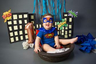 Cakesmash Kuchenshooting Supermann