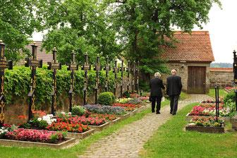 Friedhof-Ostseite