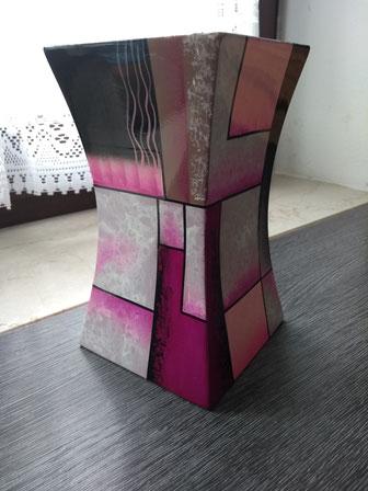4.) Pink Urne für Tiere bis 25 kg. ( Glasfieber ) 179€