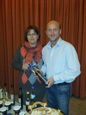Holundervortrag im April 2014 beim Frauenbund in Eggenfelden mit der Vorsitzenden Frau Andrea Malota.