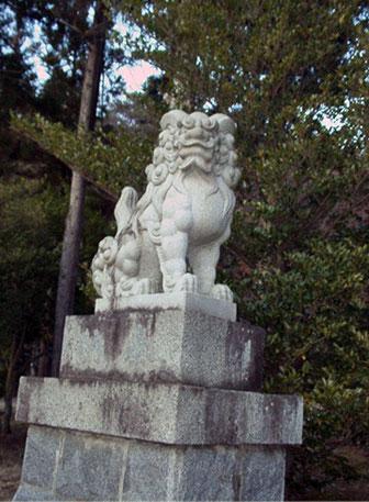 山梨縣護國神社 狛犬