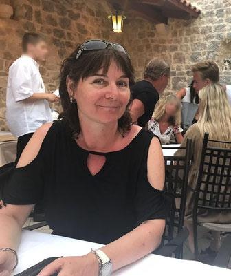 Silvia Gunsilius - abends nach dem Segeln in der Taverne