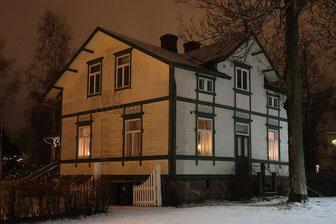 Weiß-grünes Holzhaus in Mariehamn, Åland