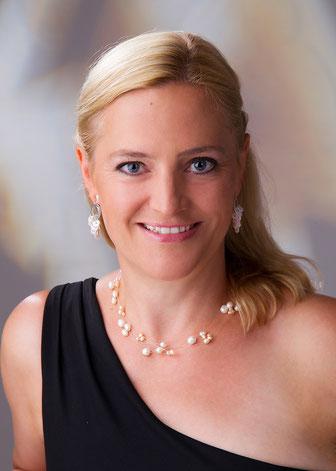 Mag. Heike Dörfler Sängerin Gesangspädagogin Klangschalenmassage