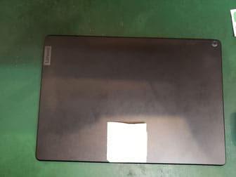 Lenovo Tab5バックパネル取り外し