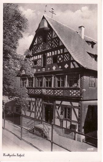 Im Jahr 1832 wurde im Rathaus eine zweite Schulstelle eingerichtet.
