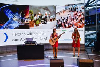 Die Hochzeitsband, Partyband und Coverband tritt in individueller Besetzung in Hessen, Bayern, Baden Württemberg, Rheinland-Pfalz und ganz Deutschland und der Schweiz auf. Alle Stilrichtungen werden abgedeckt - Aktuelle Charts, Partyhits, Klassiker, Soul,