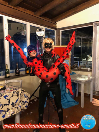 festa a tema lady bug chat noir roma