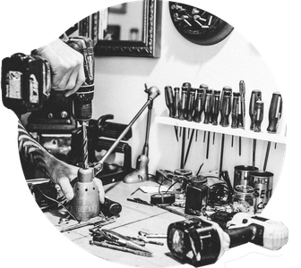 atelier de LARTISNICK artiste upcycling de Montréal