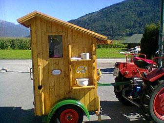 Handbetriebener WC-Anhänger