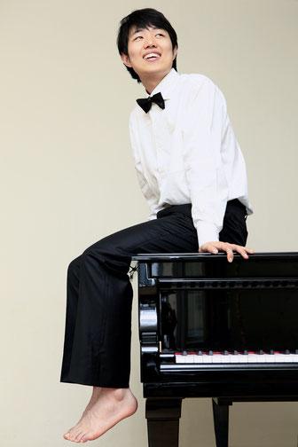 Jin Jeon - Konzertpianist und Klavierpädagoge (BA)