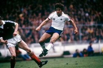 Bobby Latchford im Trikot der englischen Nationalmannschaft.