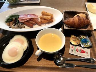 洋食の朝食 目玉焼きをチョイス