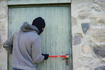 Einbrecher an der Arbeit - Foto Pixabay