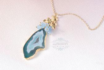 Scheibe einer Achat Druse Pastellblau Halskette