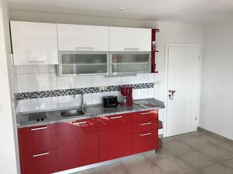 Eine neue, voll ausgestattete Küchenzeile