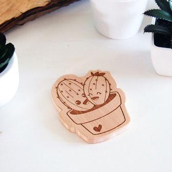 forme en bois à machouiller en forme de cactus, plante verte, succulent. anneau dentition en bois original et unique crée en France. forme à mâcher en bois naturel écolochic éco responsable, scandinave, pour soulager apaiser bébé des poussées dentaire.