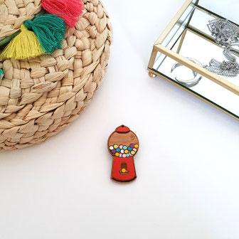 Puzzle en bois pour bébé. jouet empilable à bascule culbuto en forme de glace trop mignonne kawaii. couleur orange pastel et sa petite cerise rouge adorable et cute. fabriqué en France dans du bois PEFC naturel et non traité.