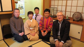 右から宝官・末永夫妻、柴田さん、石井さん