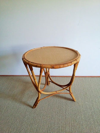 table tripode rotin vintage muros design et vintage en bourgogne. Black Bedroom Furniture Sets. Home Design Ideas