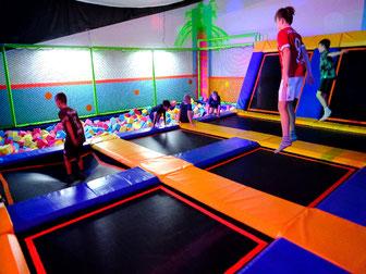 trampolin-trampolinhalle-trampolinpark