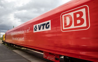 DB Cargo and VTG jointly presented their first modular and multifunctional (m²) rail car last week in Berlin
