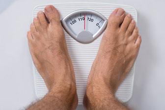 Übergewicht auf der Waage