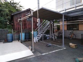 屋外喫煙所用屋根設置工事