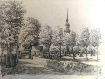 """Der Lotzdorfer Kirchsteig mit dem """"Alten Gottesacker"""" und dem Totenhäuschen, links die Scheunen am Rande des ehemaligen Pestfriedhofes.  Zeichnung von Karl Stanka 1926. (Museum Schloss Klippenstein)"""