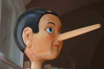 Pinocchio kann man das Lügen sofort ansehen. Der CDU auch!