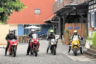 Biker willkommen - hier gibt es die besten Tipps für Motorrad-Touren und Fahrradtouren