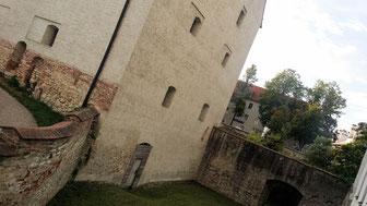 Neues Schloss Ingolstadt, Graben