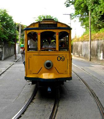 die historische Tram - Bondinos - hinauf nach Santa Teresa