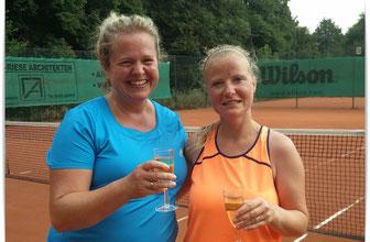 Clubmeisterin Melanie Küppers (links) und Maren Isecke