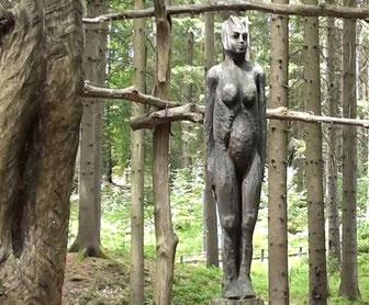 Standbild der Göttin Noreia