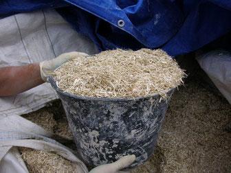 Chanvre mélangé à de la chaux pour la réalisation d'enduits muraux et dalles au sol pour une isolation optimale