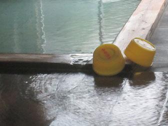 内湯は比較的にごりの少ない泉質