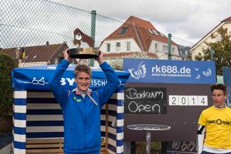 Der Borkum Open - Sieger 2014 heißt Kim Möllers vom Dorstener TC und gewann den Gerhard-Schröder-Pokal